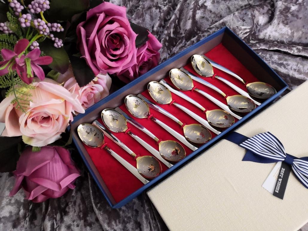 Set of 12 teaspoons in giftbox