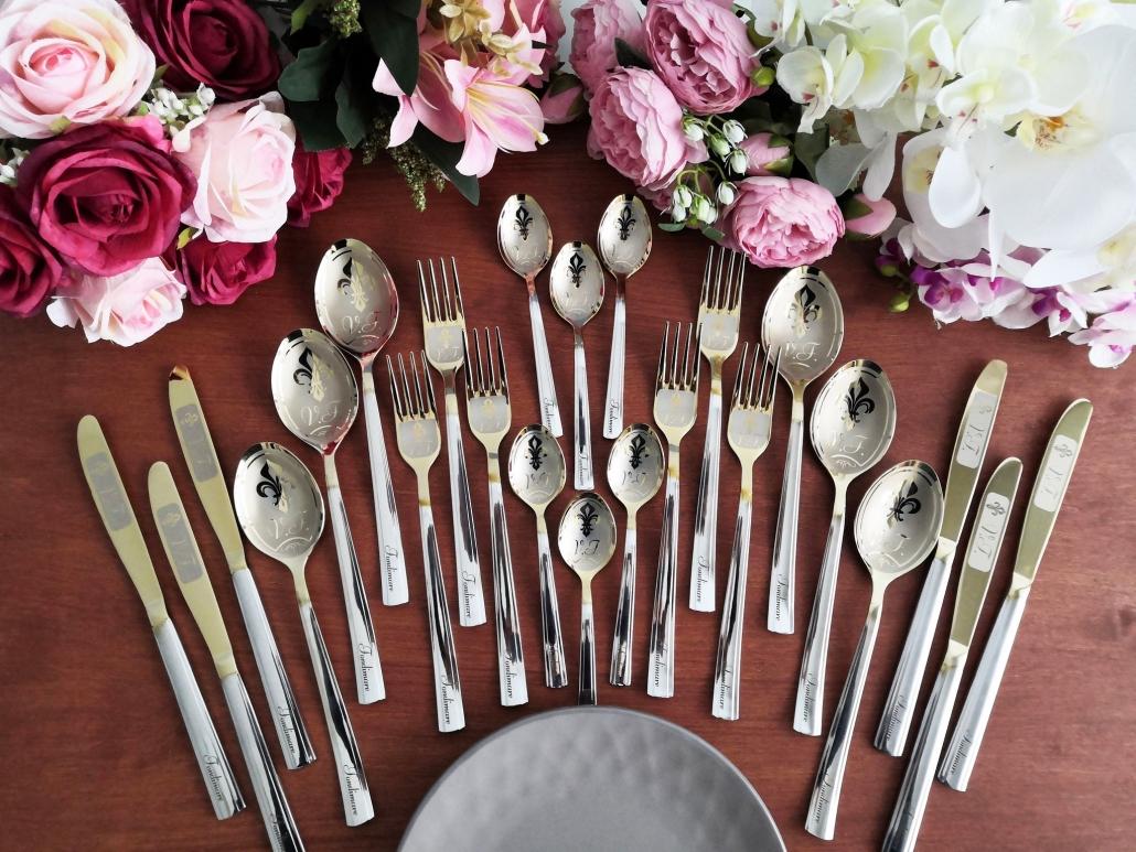 Full family flatware set 24 items